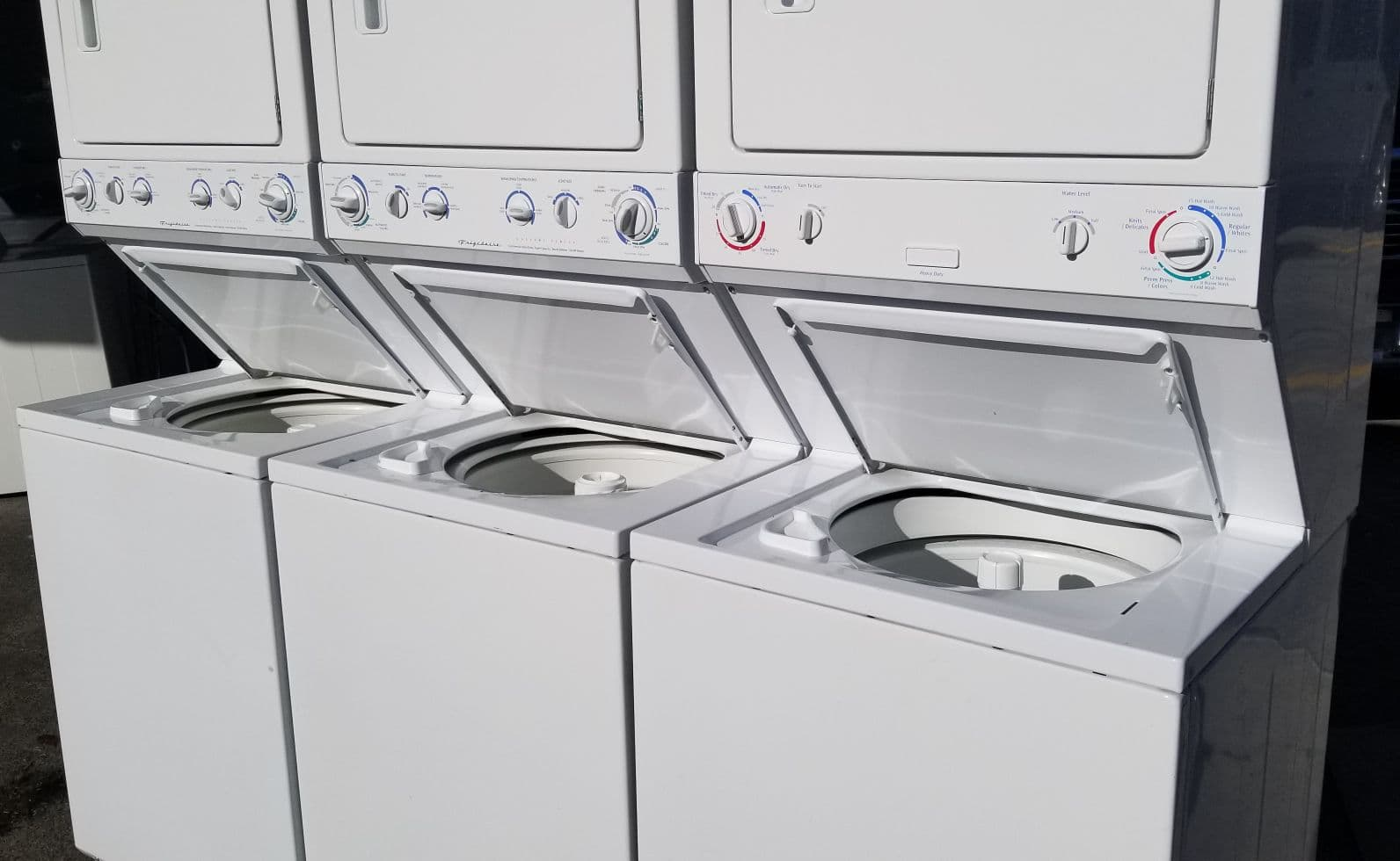 "full sized 27"" unitized laundry center."